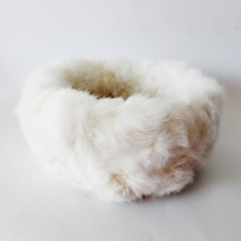 Panier Blanc en Fourrure de Lapin
