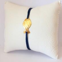 Bracelet bleu et poisson en laiton doré